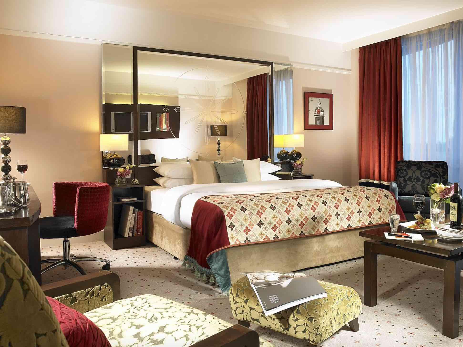 Carlton Hotel Blanchardstown luxury bedroom suite with 4 poster bed