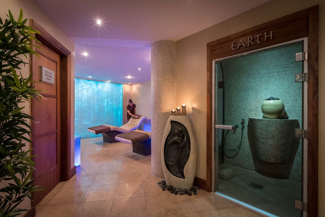 Royal Marine Hotel sansana spa treatment rooms